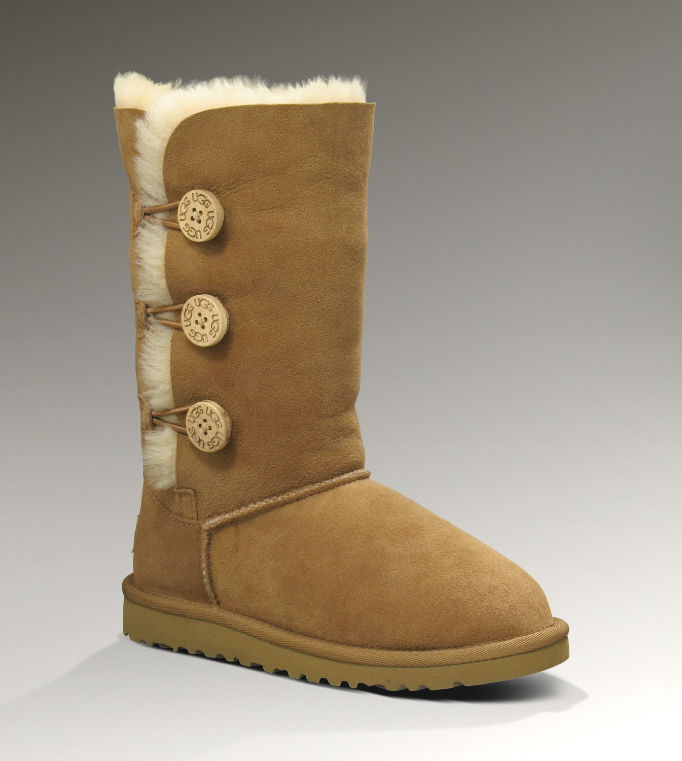 UGG Bailey Button Triplet 1962 Chestnut Boots